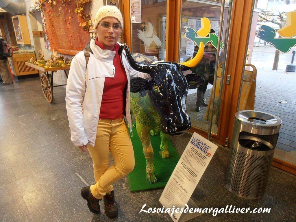 Entrada en la fabrica de quesos de Gruyeres- Los viajes de Margalliver